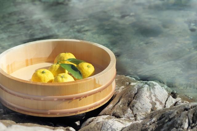 一人旅なら関東がおすすめ!自然の中の温泉や名所等人気スポットをご紹介!