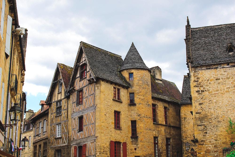 オルレアンの観光スポットをご紹介!ジャンヌ・ダルクゆかりの地を訪ねて!