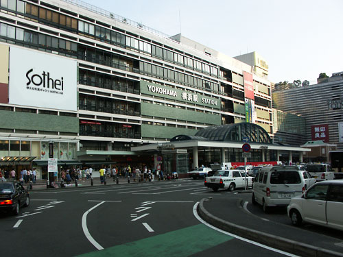 横浜駅周辺の観光!ご飯・ショッピングの人気スポットや駐車場情報も