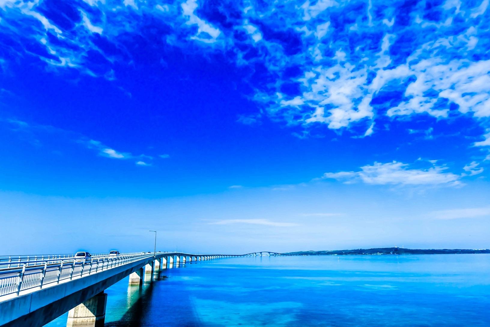 伊良部大橋を徹底ガイド!場所やアクセスから人気の絶景までを解説!