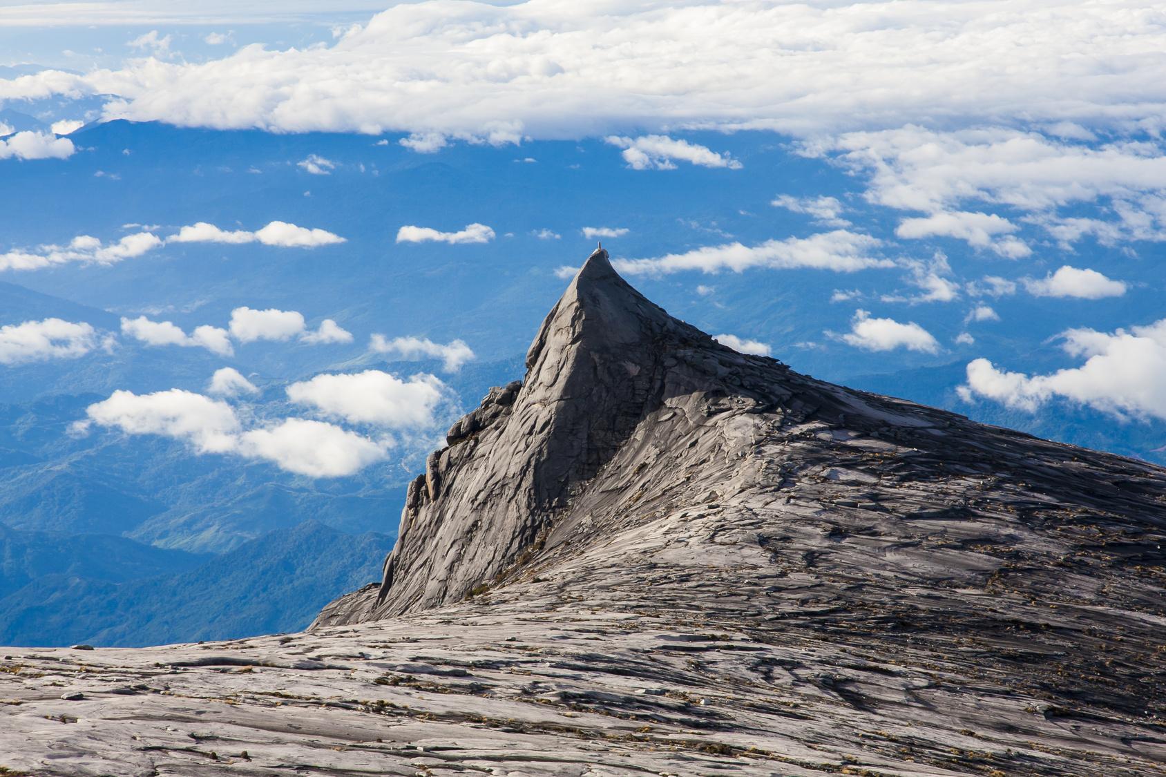 キナバル山登山!マレーシアが誇る東南アジアの最高峰は初心者にもおすすめ!