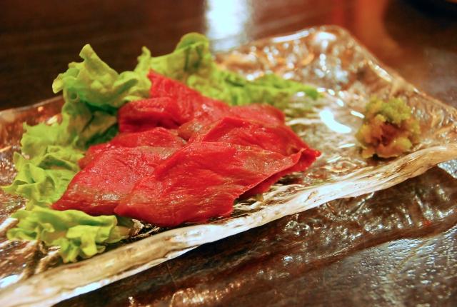 馬肉・馬刺しを東京で!ヘルシーで美味しい桜肉を食べれるおすすめ店!