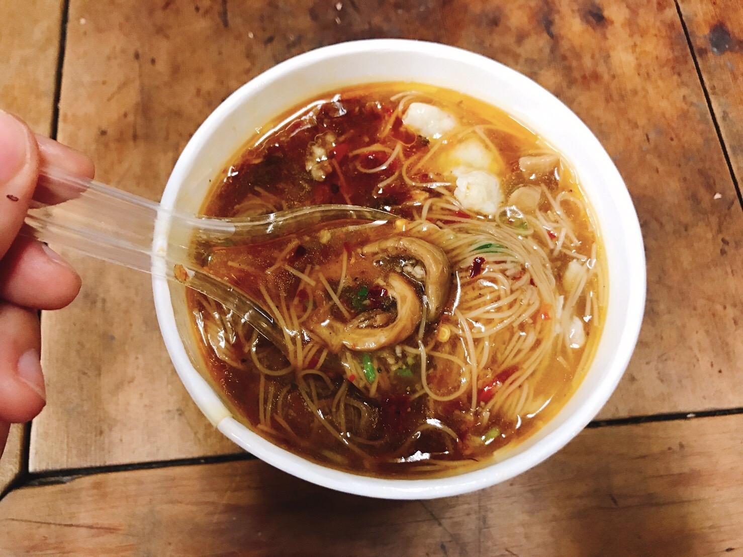 阿宗麺線は台北で絶対食べたい超有名屋台メニュー!穴場の支店情報も!
