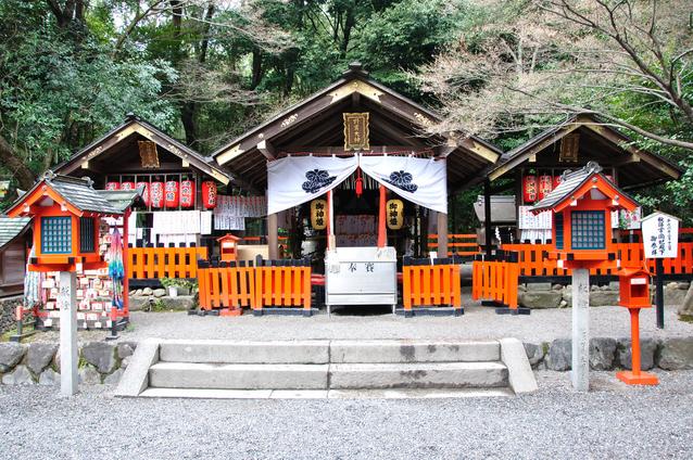 京都・野宮神社はパワースポット!お亀石のご利益は?源氏物語ゆかりの地!