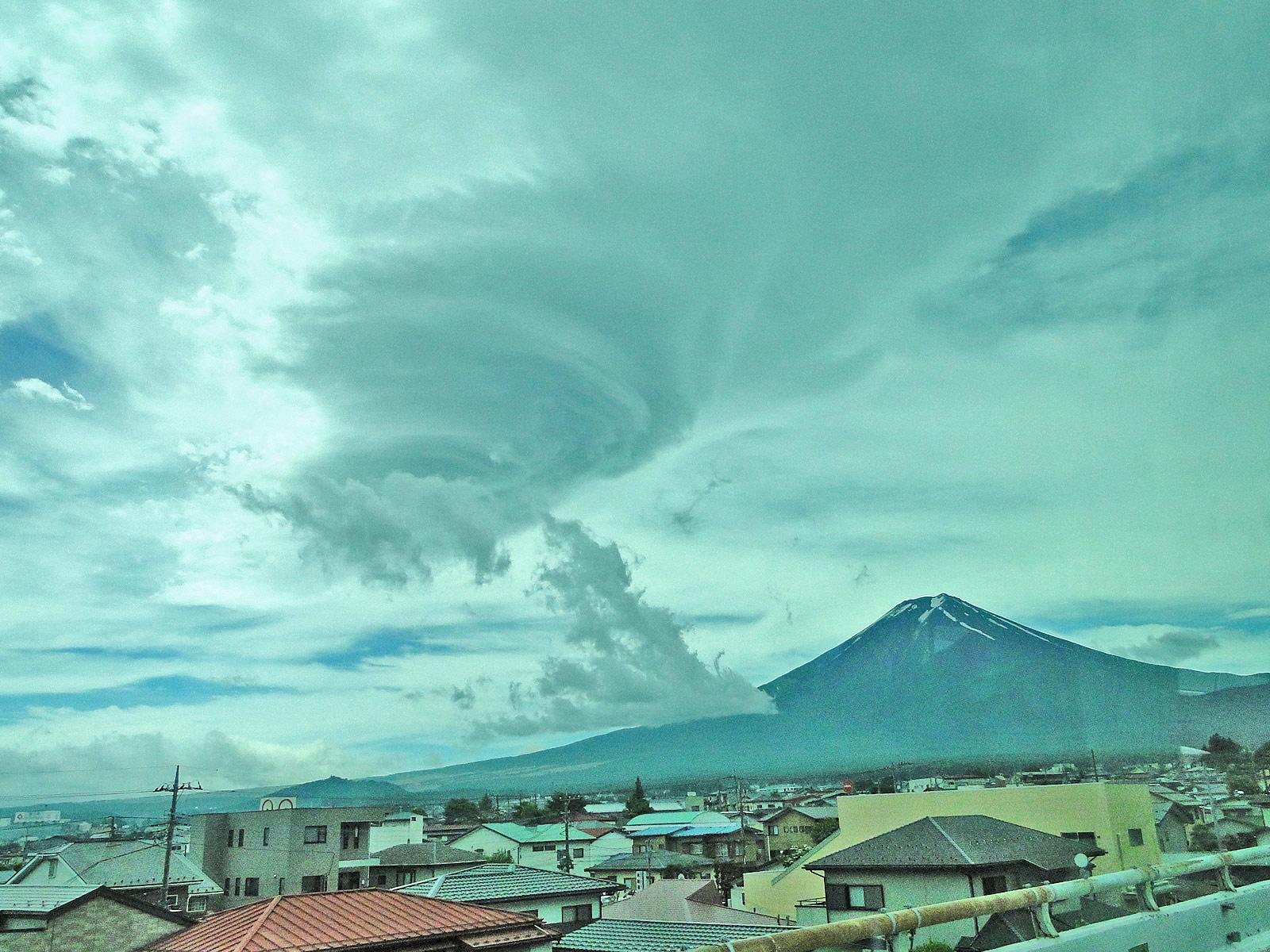 富士山の「吉田ルート」を解説!山小屋やトイレ情報もあり!