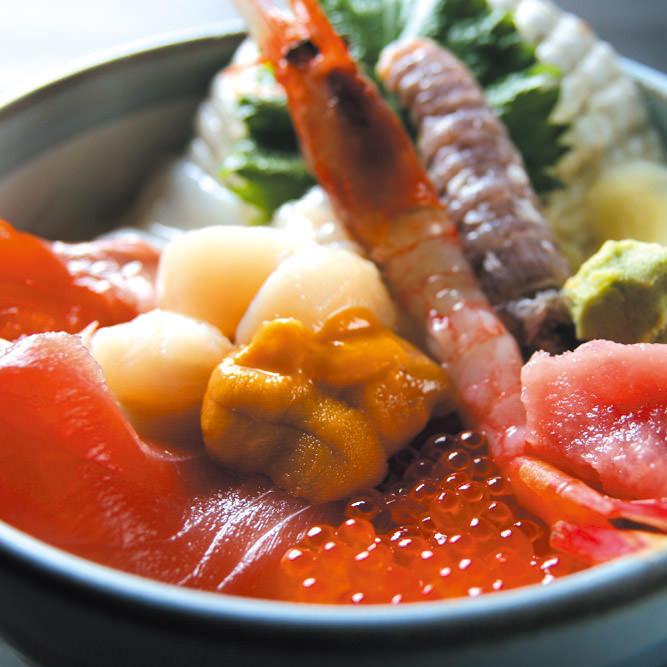 小樽の食べ歩きグルメを厳選!人気スイーツや海鮮まで食べ尽くし!