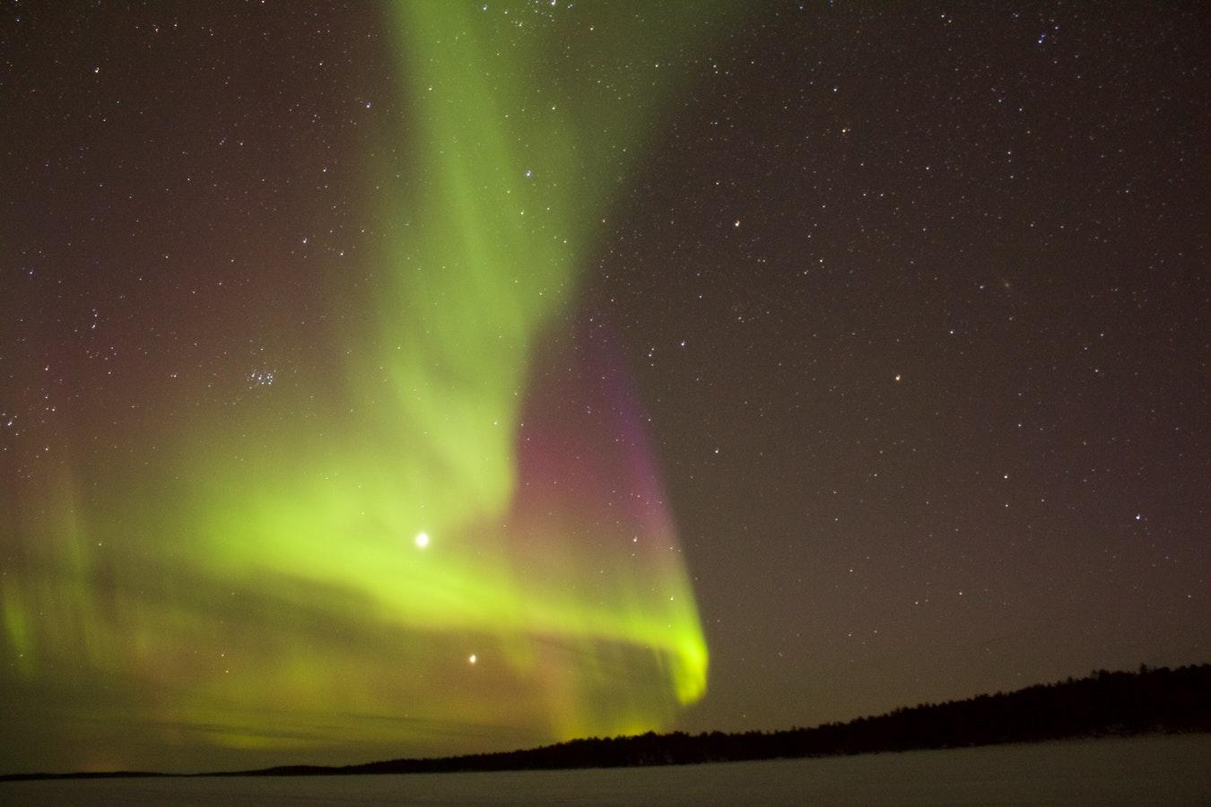 北海道でオーロラが見れる?発生条件や観測場所を調べてみた!
