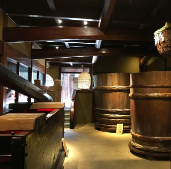 「末廣酒造」は訪ねて楽しい日本酒の蔵元NO.1!隣接カフェでスイーツも!