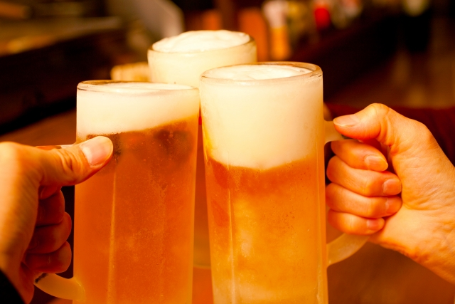 新宿の「せんべろ」できる店特集!昼から飲める女子にも人気の店など!