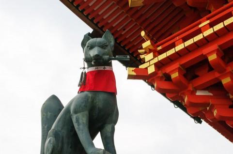 三峯神社の駐車場は夜間から車中泊がおすすめ!料金や営業時間もご紹介!