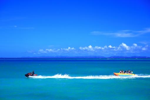 グアムの海でのアクティビティ!澄んだ海水と白砂リゾートを満喫しよう!