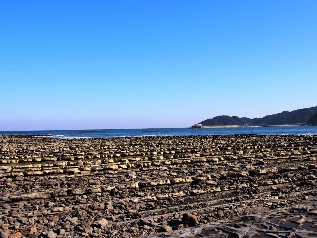 鬼の洗濯板は宮崎・青島の絶景と言われる観光スポット!干潮に合わせて行こう!