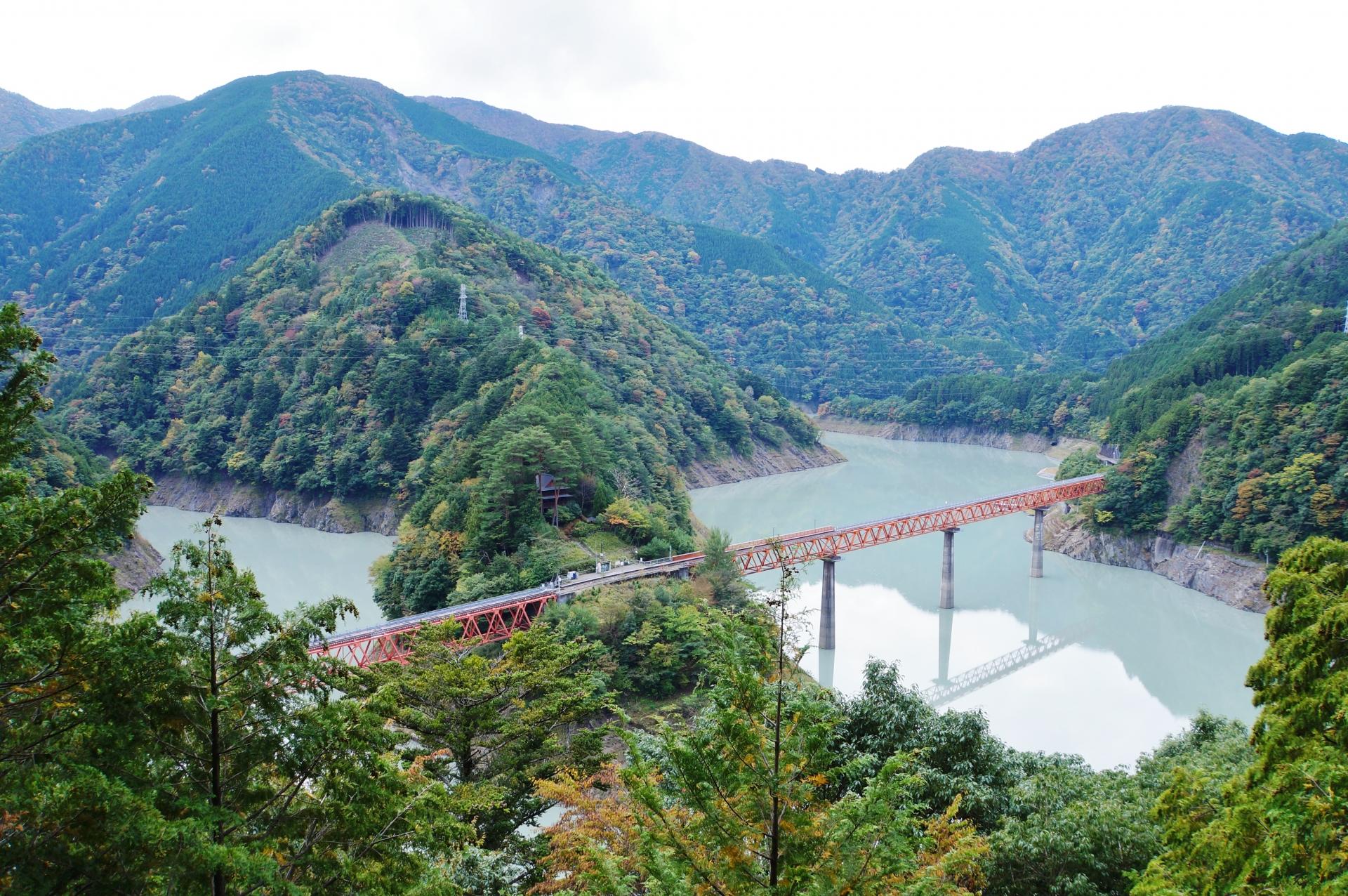 奥大井湖上駅へ行こう!行き方や時刻表・観光スポットなど紹介!