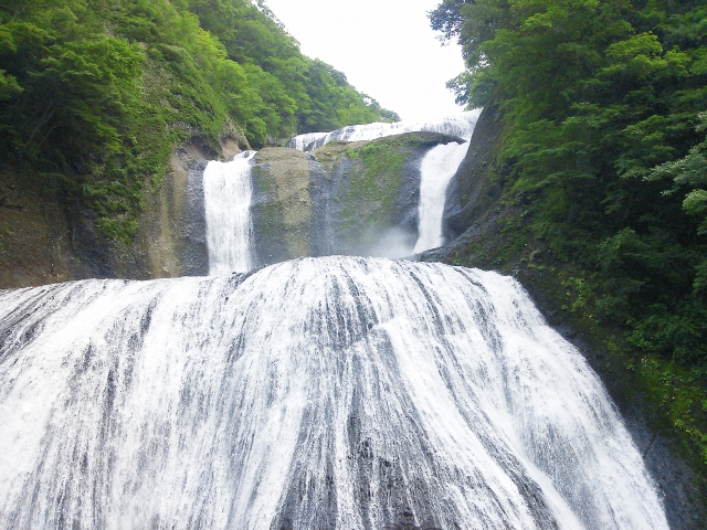 茨城の滝は有名所あり!裏側から眺められるスポットやおすすめ絶景紹介!