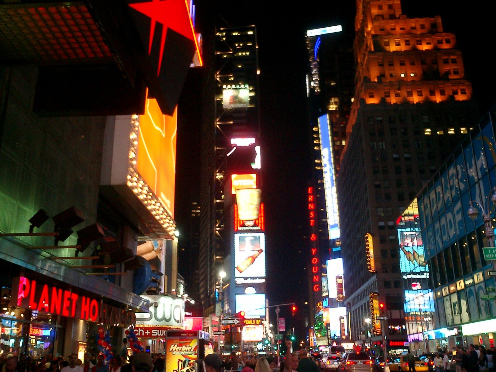 タイムズスクエア(ニューヨーク)のカウントダウン!年越しイベントを紹介
