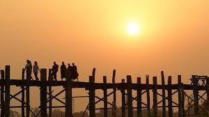 マンダレーで寺院観光とアクセス紹介!映画撮影に使われる絶景の橋も!