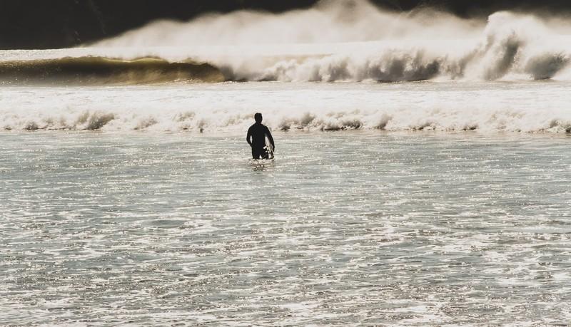 伊師浜海水浴場が穴場でおすすめ!磯遊びやサーフィン・周辺の温泉も人気!
