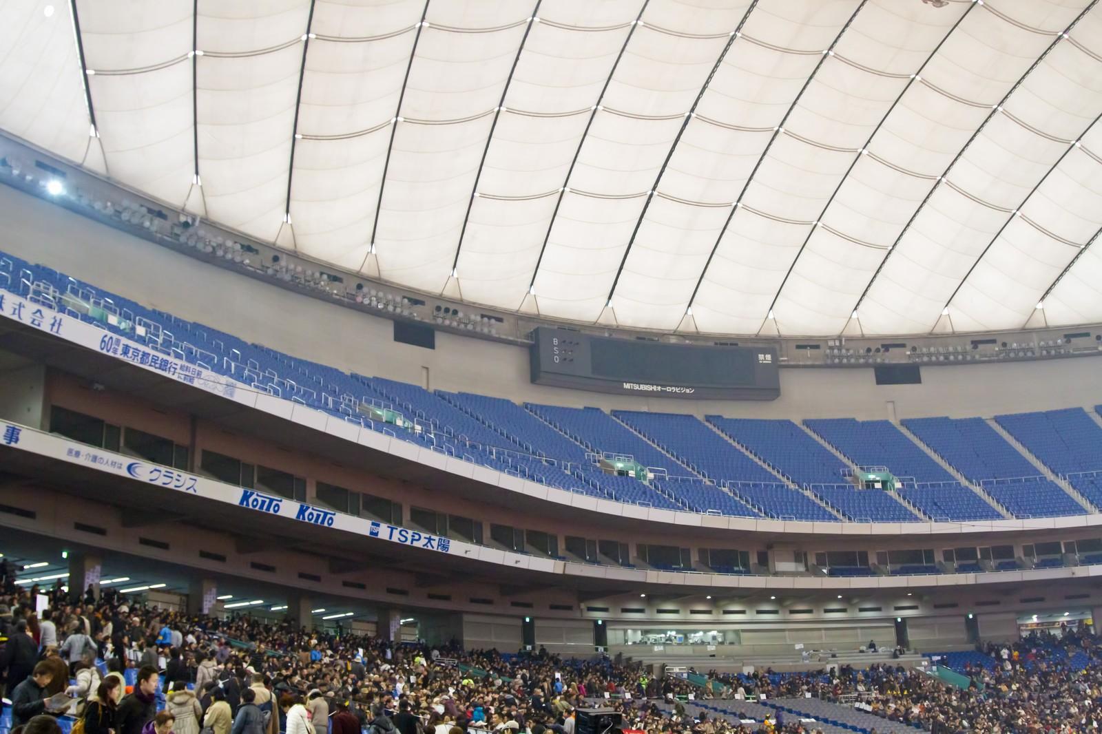 東京ドームのバルコニー席の見え方は?コンサートやライブがゆったり楽しめる!