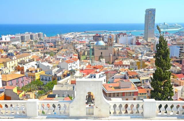 カディスはスペイン最古の街!おすすめの観光スポットなどご紹介!