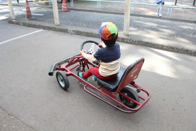 ユーカリ交通公園は子連れにおすすめ!ゴーカートで遊びながら交通ルールを学ぶ!