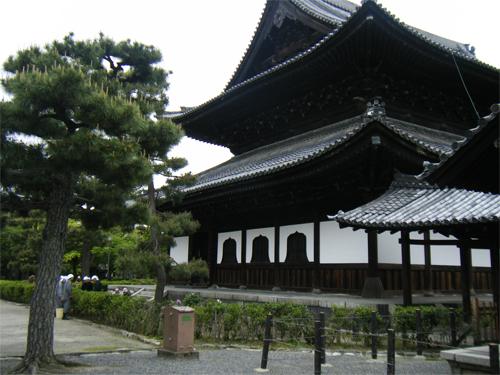 針供養の風習の由来とは?開催される主なお寺や神社に日程もご紹介!