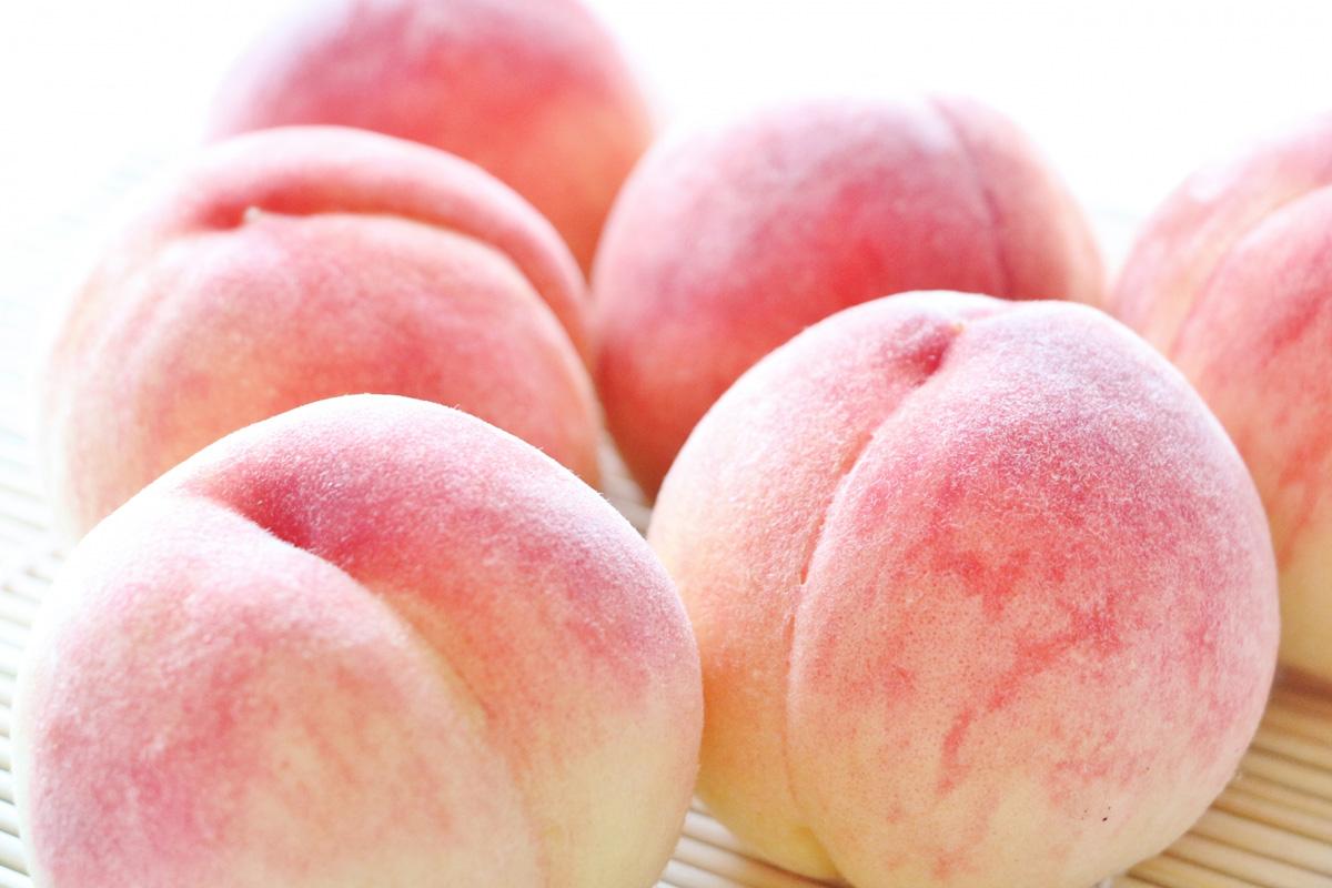 「パティスリーカフェひかり」の名物桃パフェを食べよう!メニューや値段を紹介
