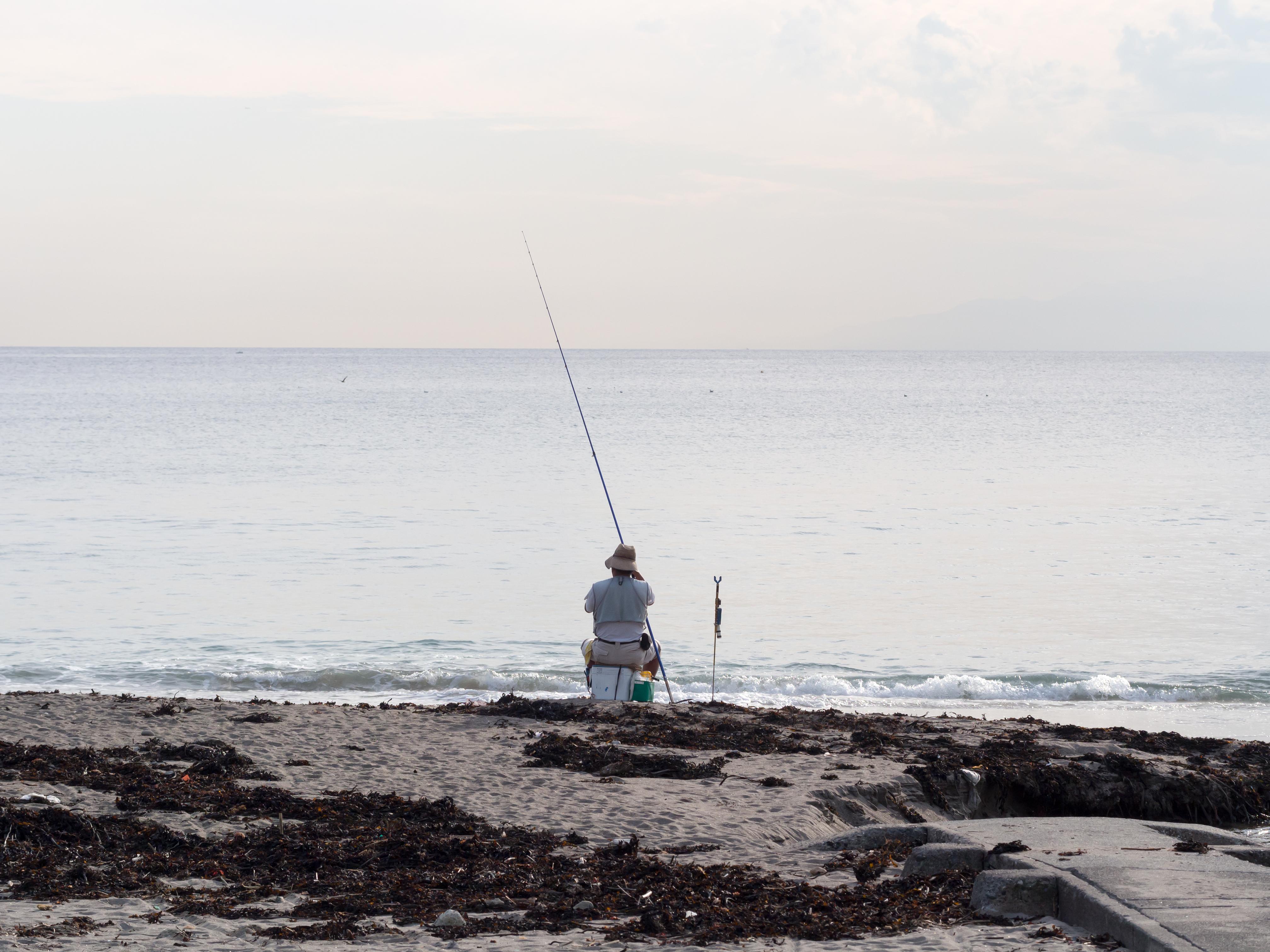 那珂湊の釣りは手ぶらでも楽しめる!人気スポットは混雑にも注意!