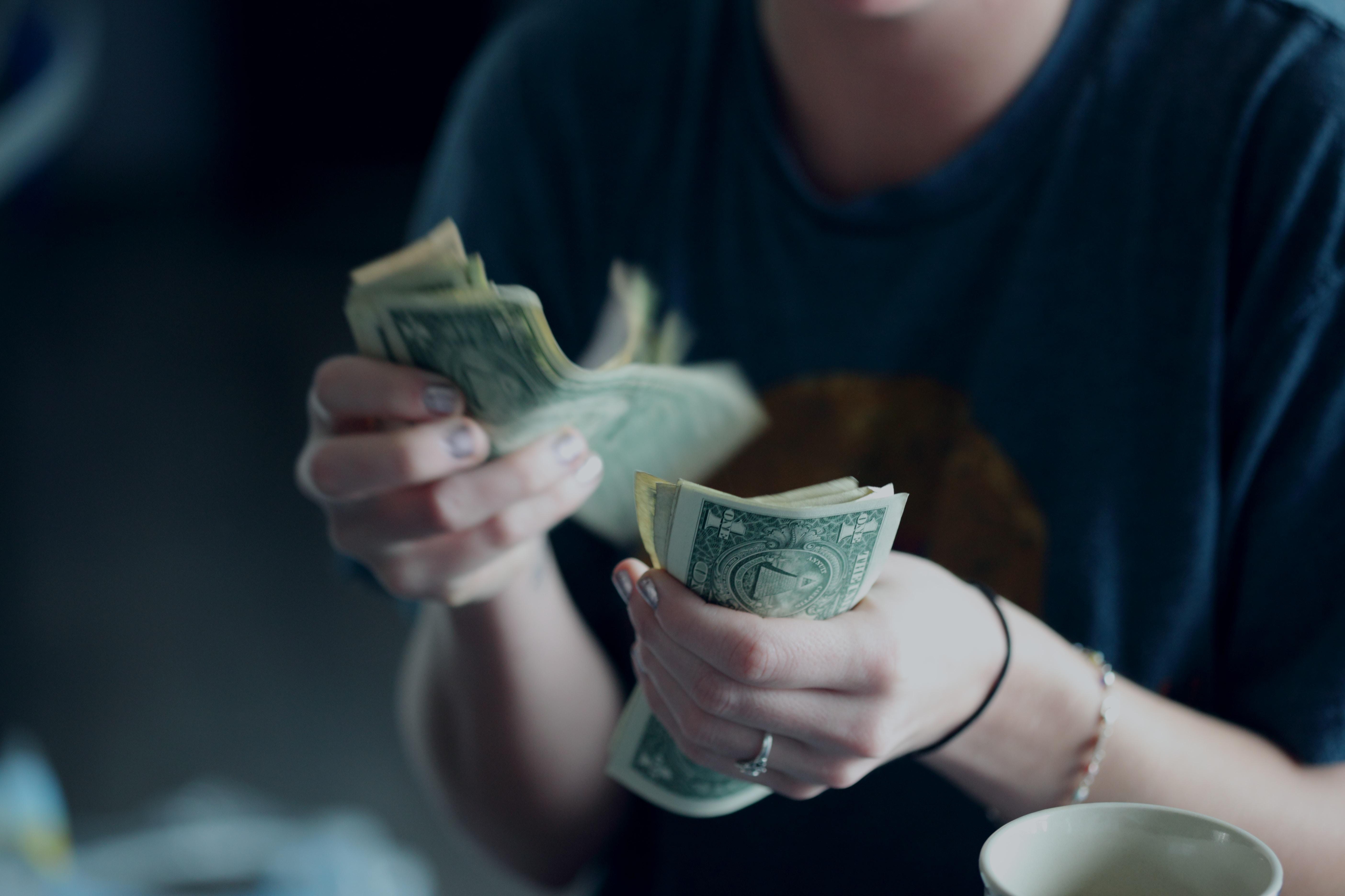 日本円を香港ドルに換金!お得なのは日本or現地?レートが良い店の見分け方も!
