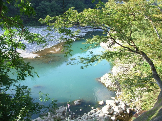 白水湖は岐阜の絶景スポット!アクセス方法やおすすめのアクティビティは?