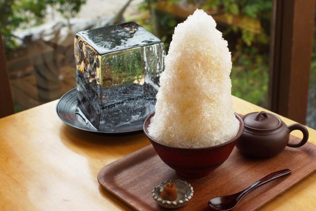 柏のかき氷三日月氷菓店が行列必至の人気店だと話題!絶品天然氷を味わおう