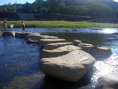 徳島・穴吹川(天神の瀬)で川遊びを満喫!キャンプやバーベキューもおすすめ!