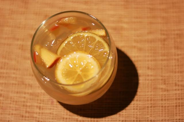 サングリアは女性に大人気のワインカクテル!おすすめの飲み方や市販品の種類も