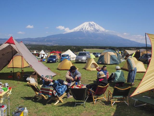 ふもとっぱらキャンプ場は富士山を臨む人気スポット!設備や料金は?