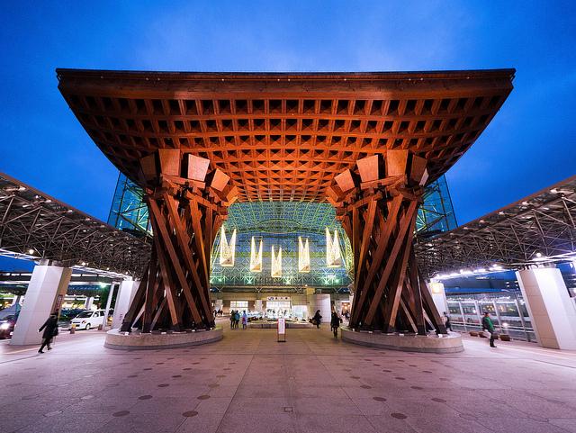 鼓門は金沢駅のシンボル!もてなしドームも合わせて見どころをたっぷり紹介