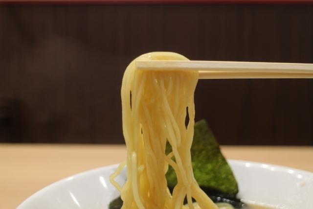 利尻ラーメン味楽は行列覚悟の人気店!新横浜のラーメン博物館でも食べられる!