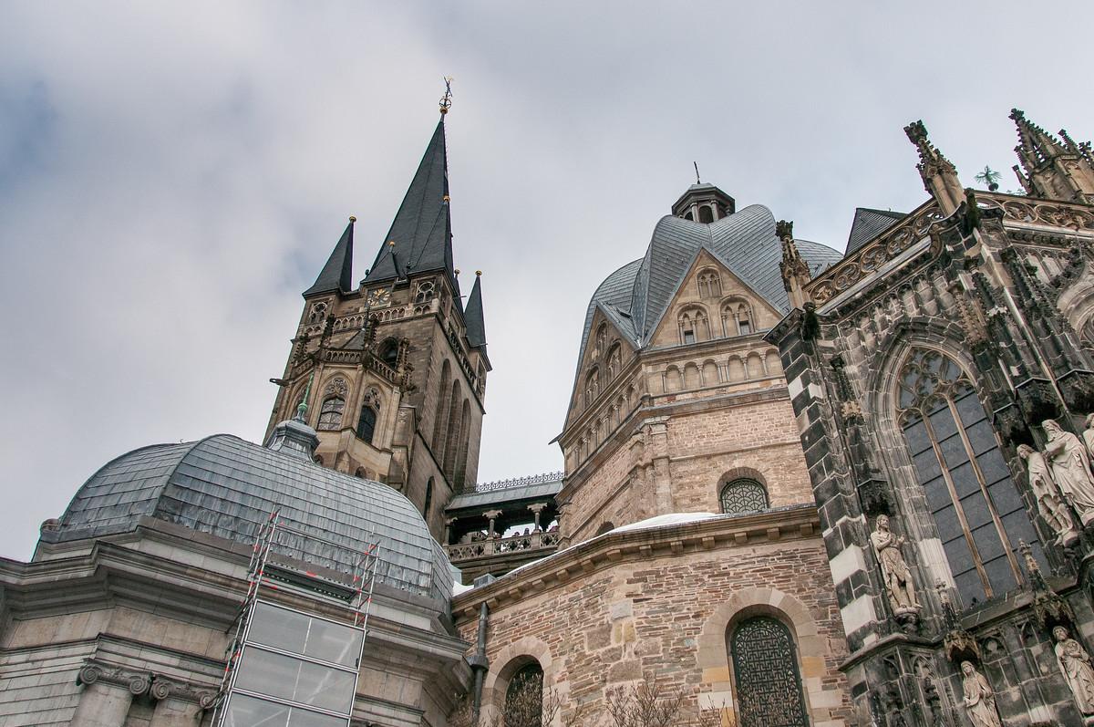 アーヘン大聖堂は美しいドイツの世界遺産!歴史やアクセス方法は?