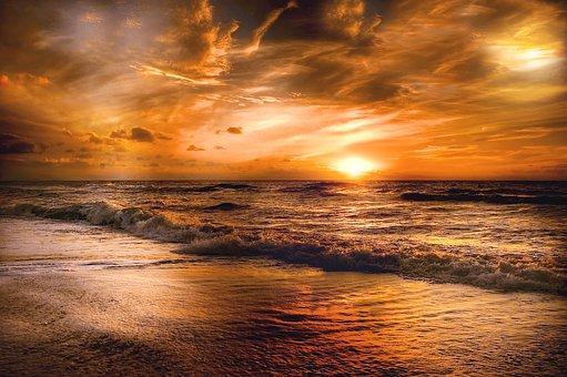 夕日ヶ浦海岸で海水浴を満喫!ブランコや夕日がフォトジェニックなビーチを紹介
