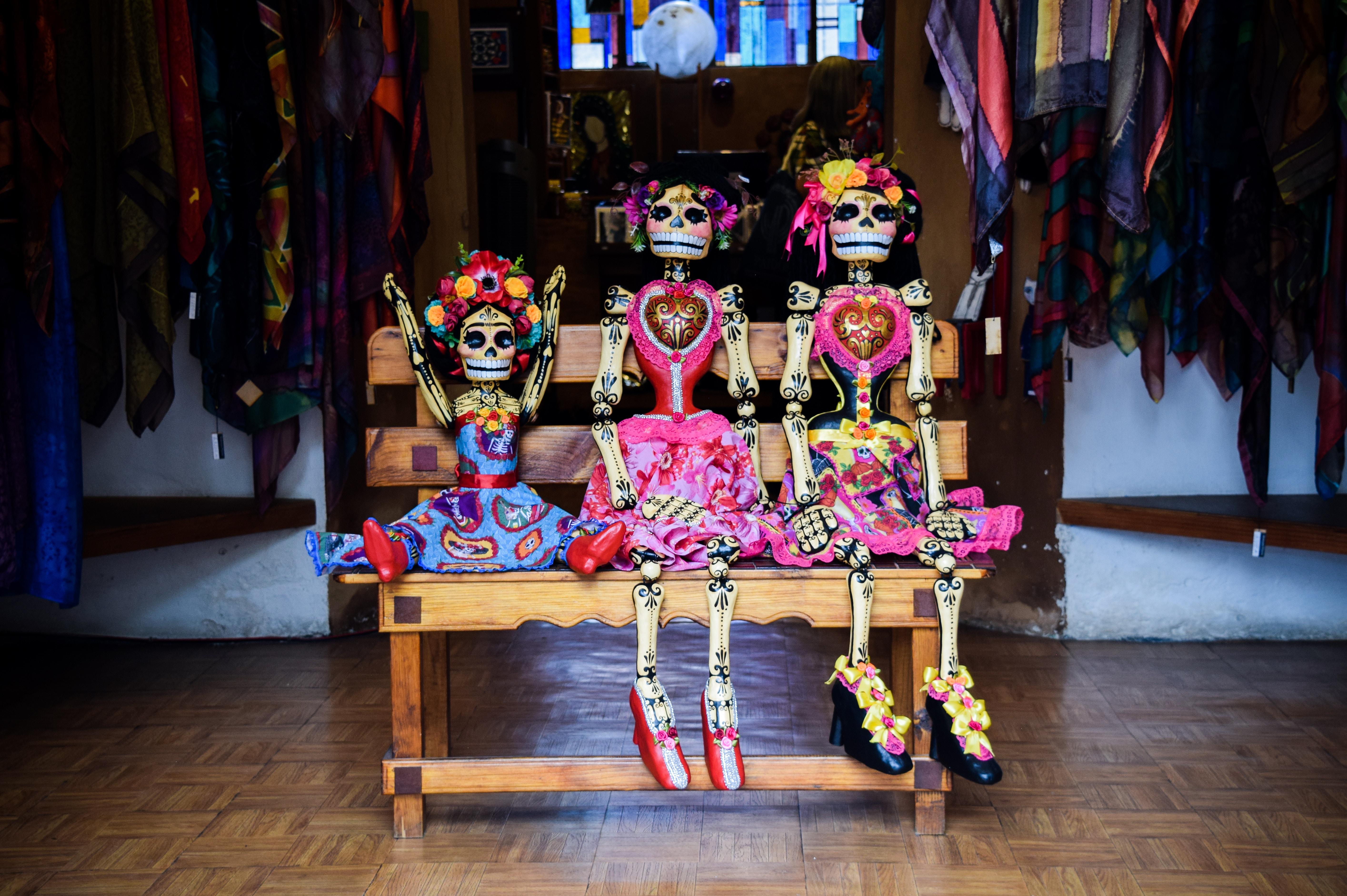 死者の日はメキシコの祝祭!カラフルな骸骨が溢れる珍しいお祭りを紹介!