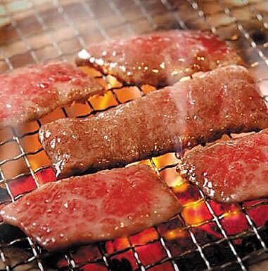 肉塊UNOで絶品の赤身肉を堪能!店舗の場所や人気メニューを徹底調査!