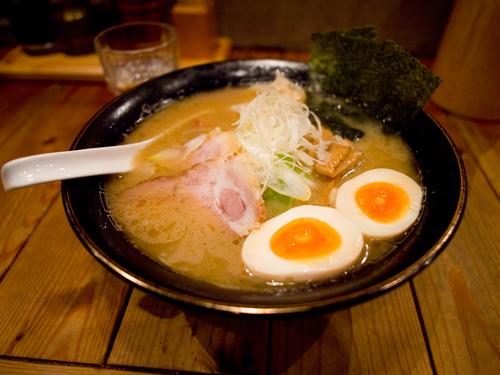 鴨to葱は上野にある絶品ラーメン店!シンプルながら旨さ際立つメニューが人気