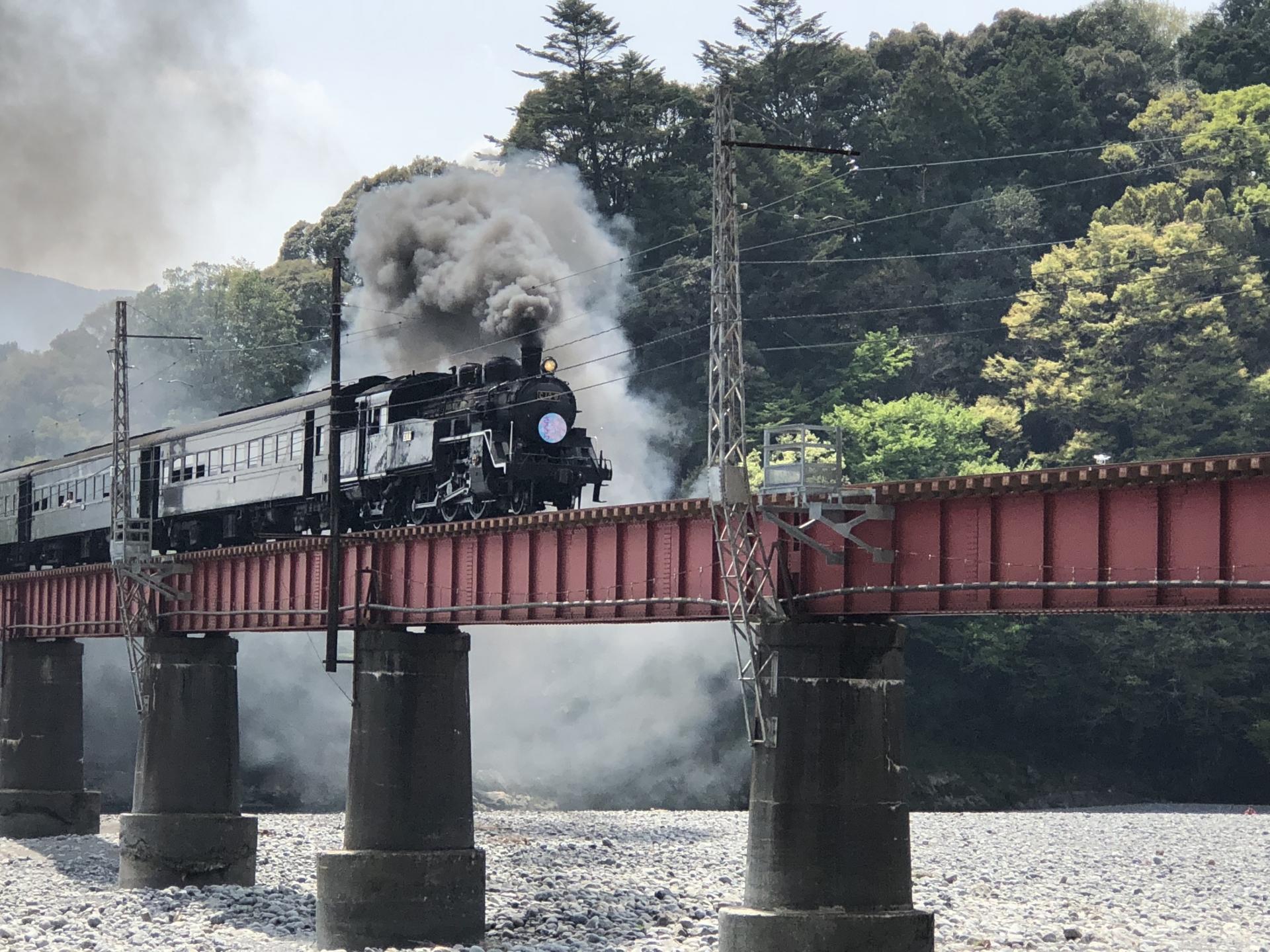 大井川鐵道の観光で人気のスポットは?見どころやアクセス方法もご紹介!