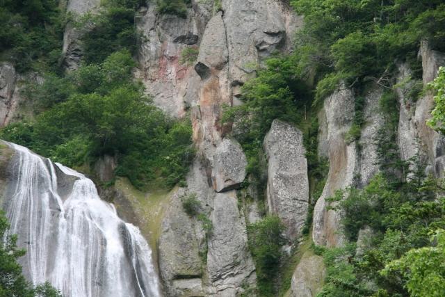 羽衣の滝は北海道の絶景スポット!天人峡へのアクセス方法は?