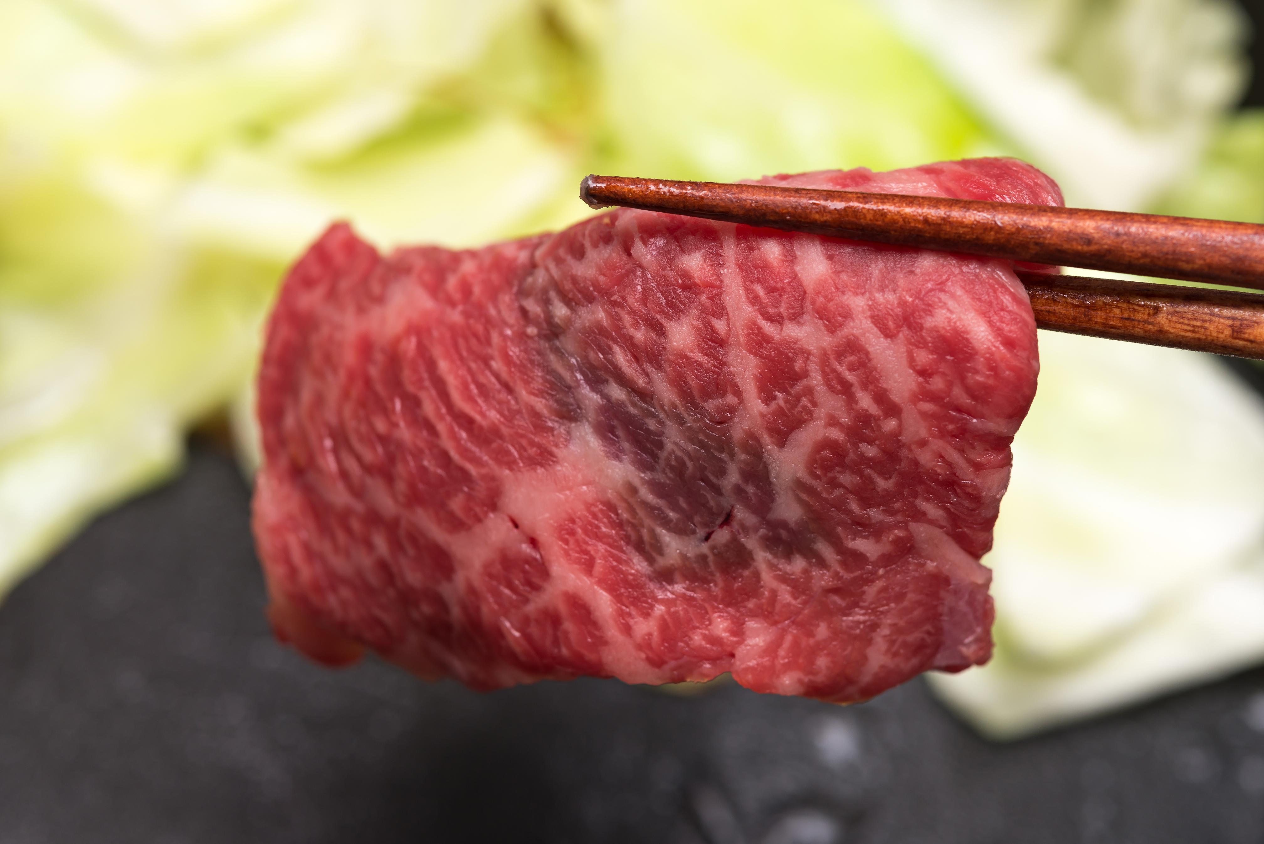 肉割烹 上は西麻布にあるおしゃれな人気店!コースメニューの内容や料金は?