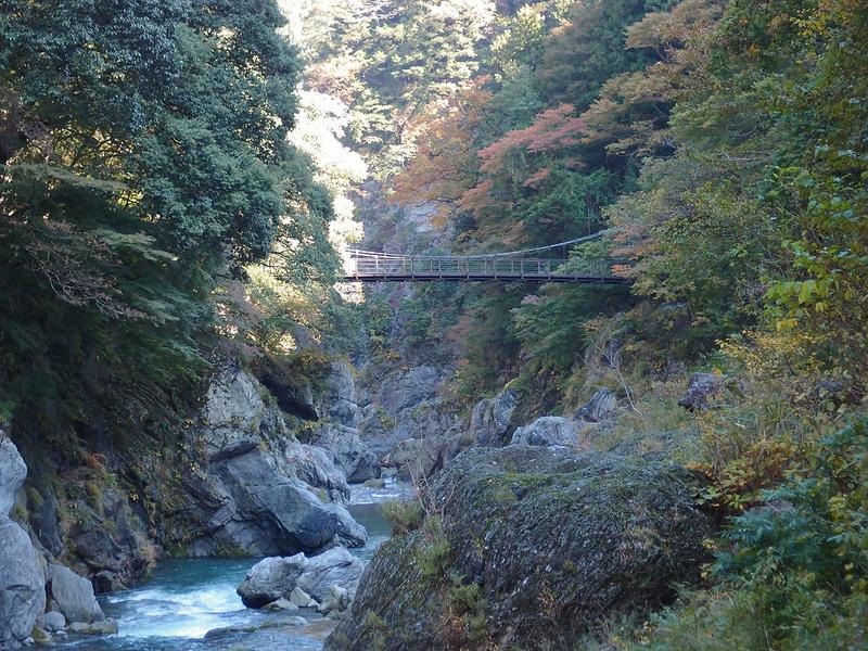 鳩ノ巣渓谷は奥多摩の絶景スポット!ハイキングコースの見どころも紹介!