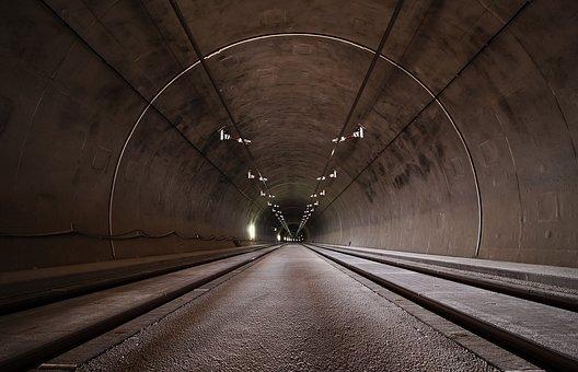 青山トンネルは三重の心霊スポット!恐怖の電話ボックスや事故現場を調査!