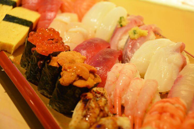 鮨 あらい(銀座)は予約が取れない人気寿司店!美味しいメニューを堪能しよう