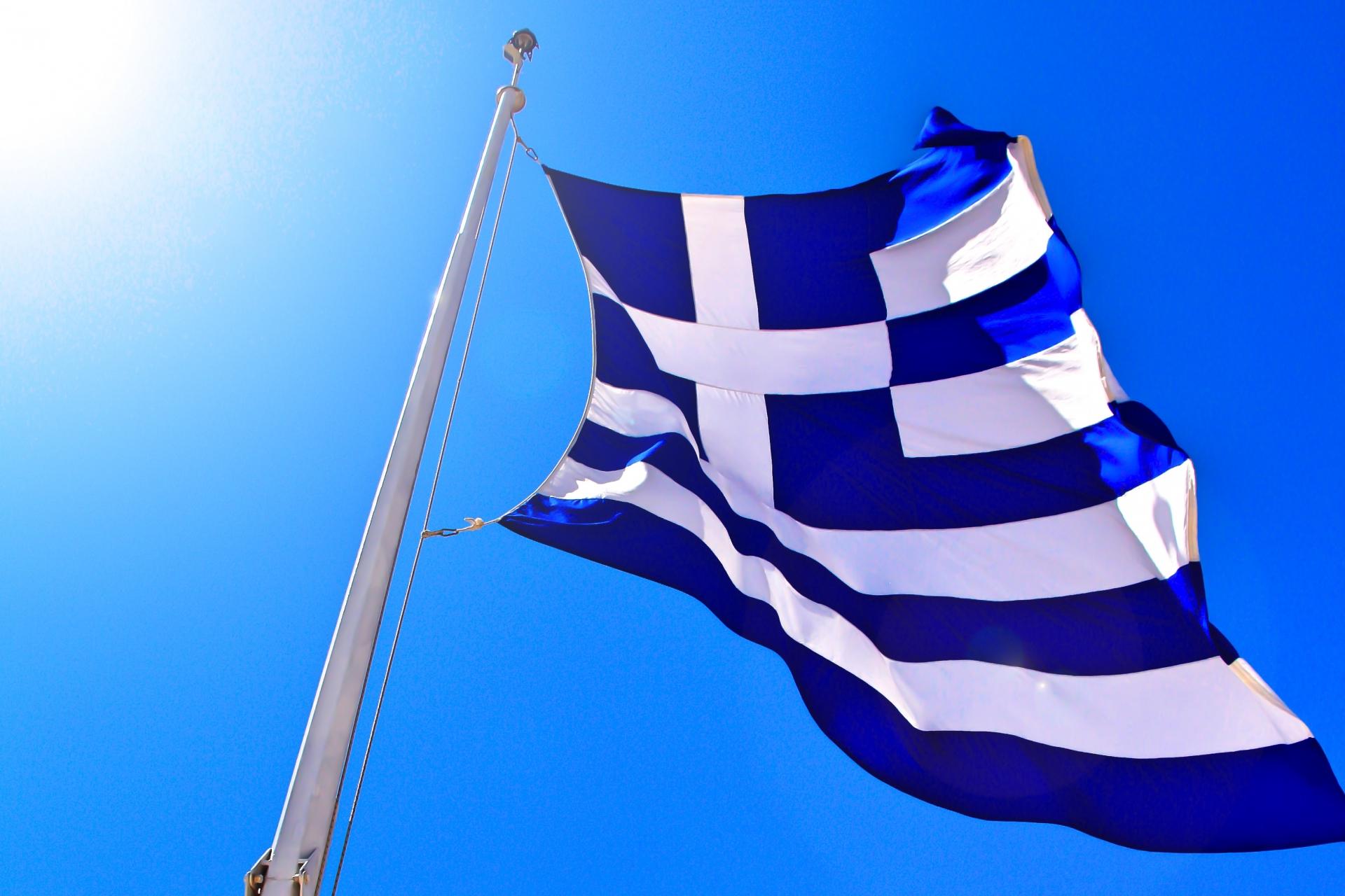 ギリシャ国旗の色の特徴や意味・由来をチェック!歴史も知って観光を楽しもう