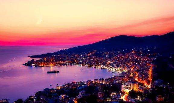 アルバニアの国旗がかっこいい!意味や由来を知って旅行をもっと楽しもう!