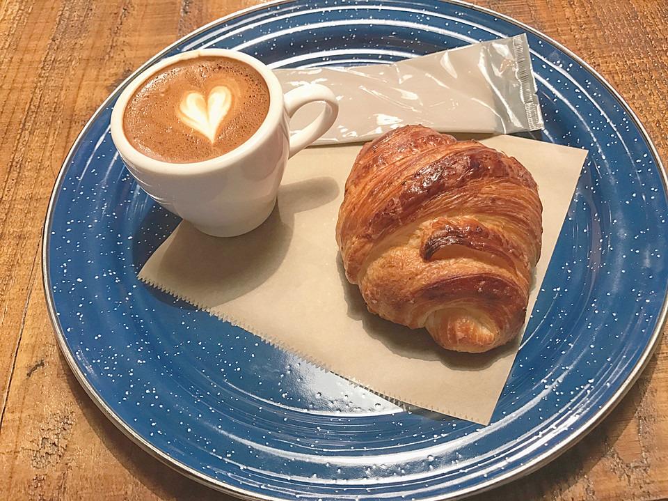 横浜駅周辺のモーニング人気店19選!早朝営業のカフェや美味しいパン屋も!
