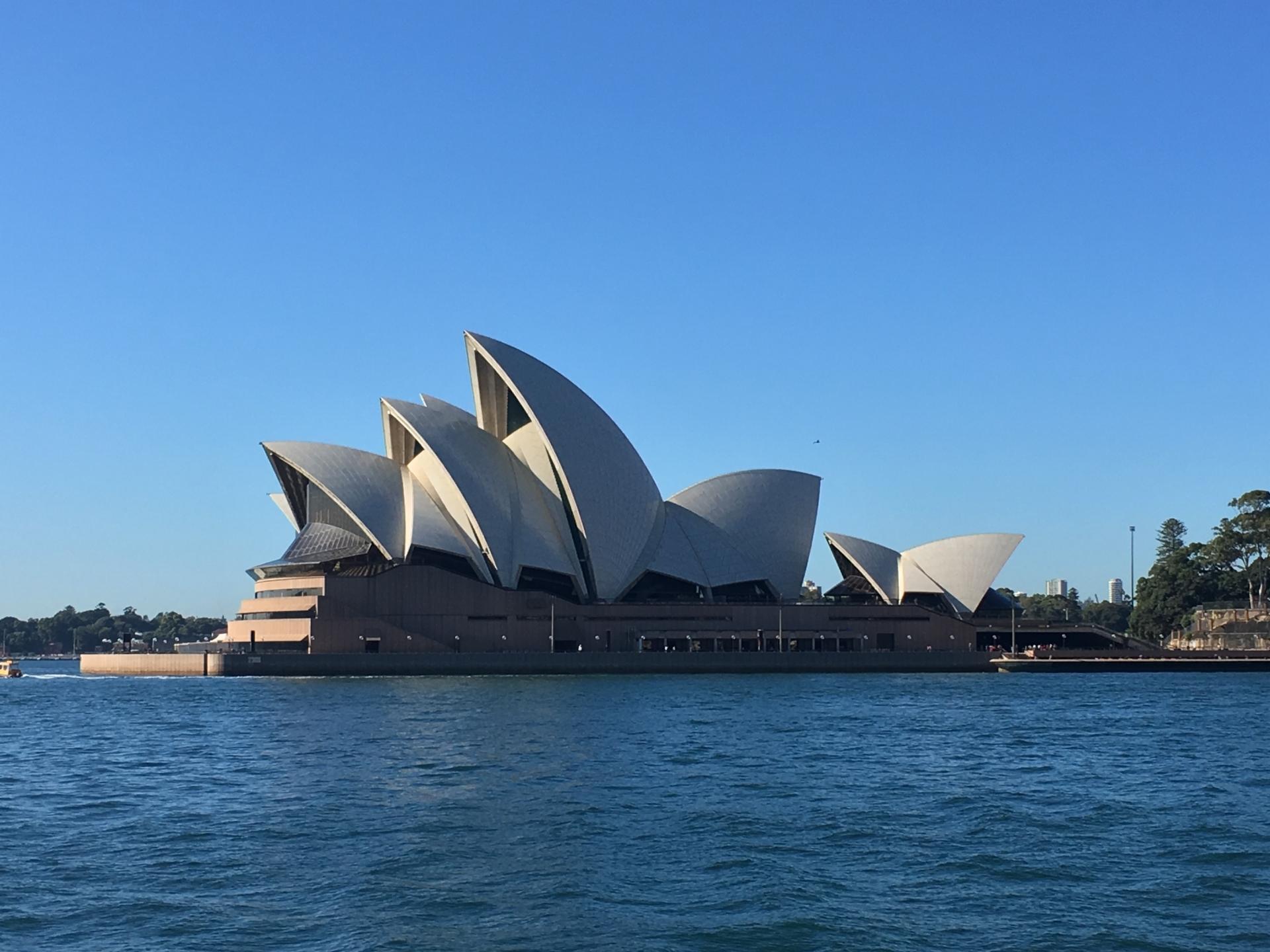 オーストラリア旅行の費用はいくらかかる?予算の相場や安い時期をチェック!